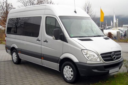 Mercedes-Benz_Sprinter_front_20081206